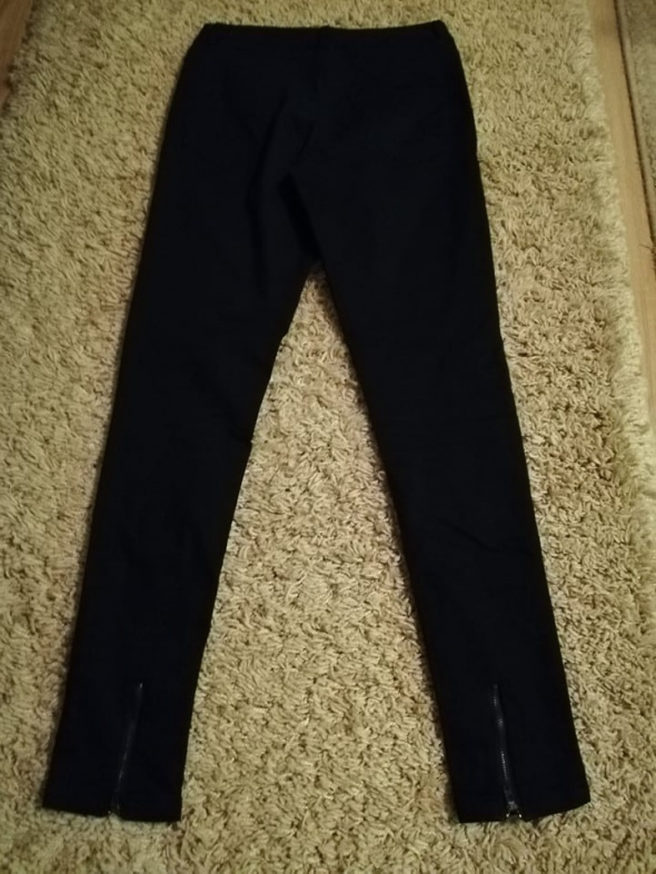 nowe spodnie materiałowe