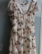 Romantyczna sukienka w listki New Look...