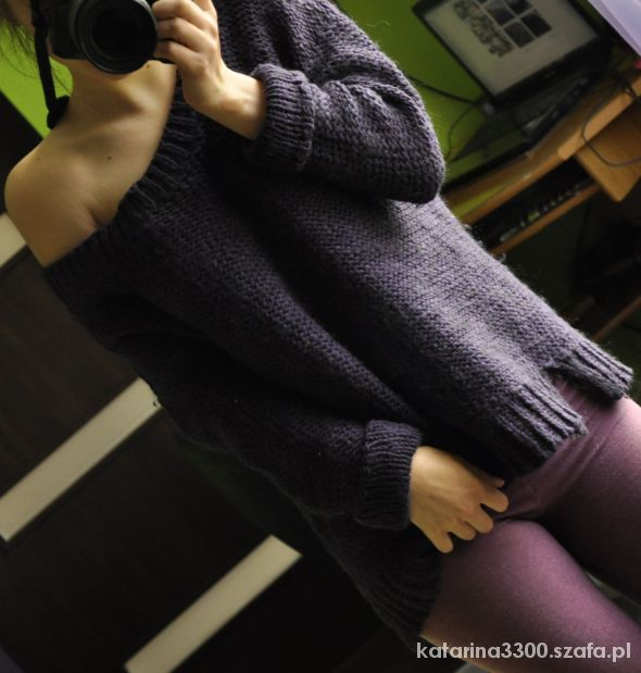 Fioletowy sweter STRADIVARIUS...