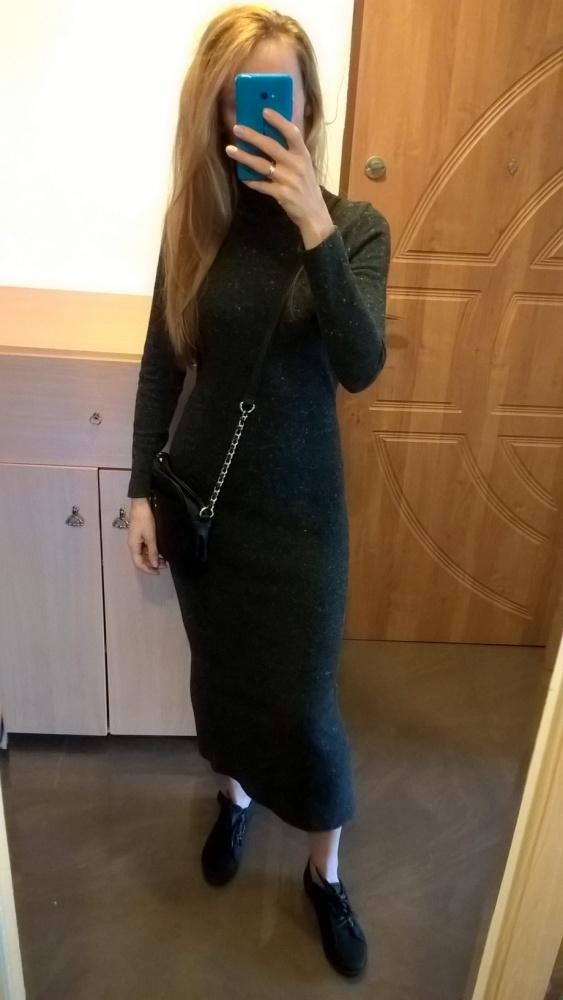 Sweterkowa sukienka z golfem S M