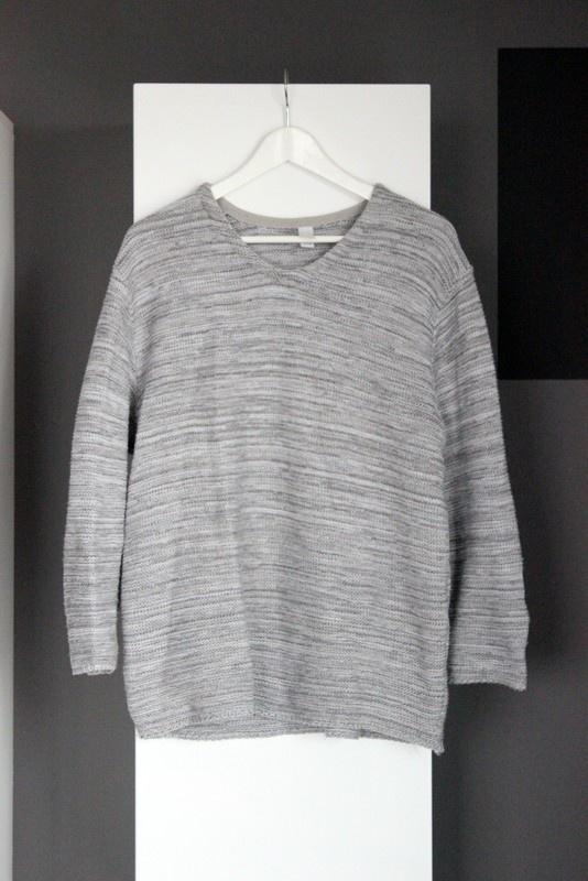 basicowy sweter na zimę ciepły cieplutki gruby szary popielaty basic klasyczny