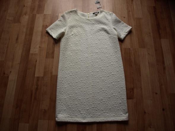Sukienka ecru nowa S M...