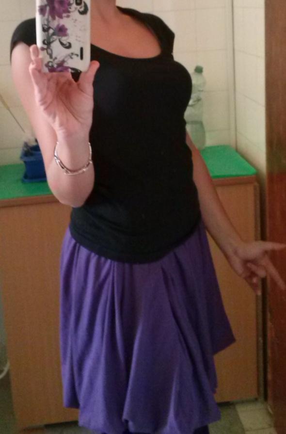 Spódnica rozkloszowana fioletowa rozmiar M 38