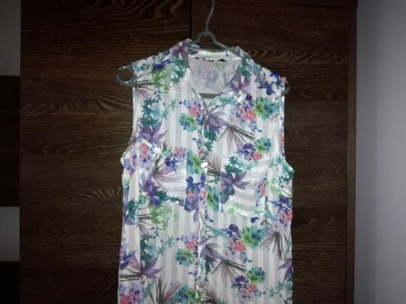 koszulowa bluzka w kwiatki 40 L