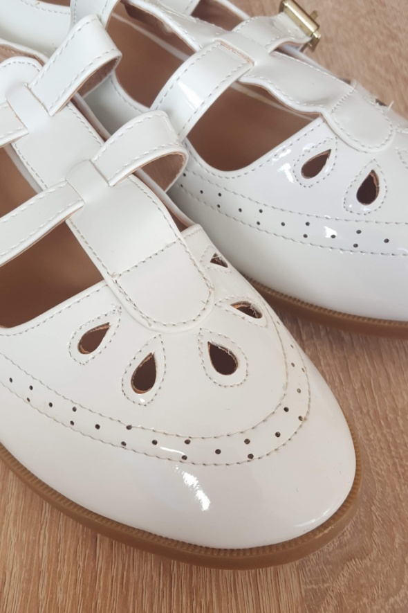 Nowe białe buty retro 40 płaskie babydoll jak vintage lakierki ...