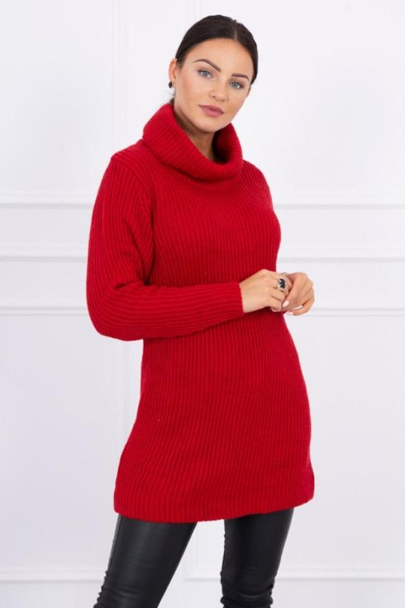 Czerwony sweter golf