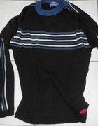 Czarny sweter...
