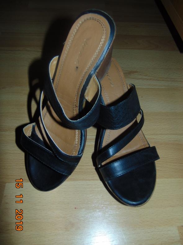 klapki na koturnie buty 39