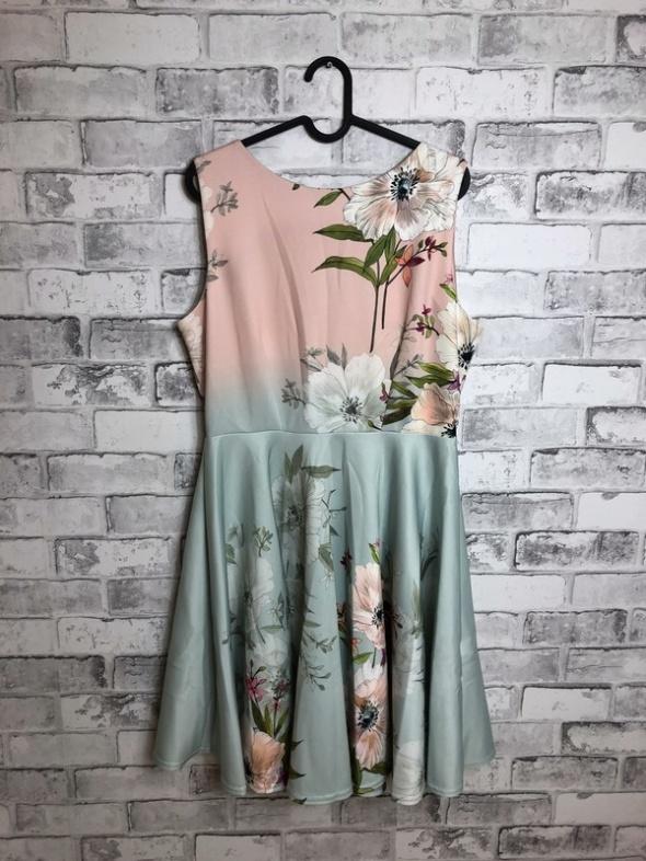 Suknie i sukienki Closet London Mini Sukienka Kwiatowy Wzór 44 XXL
