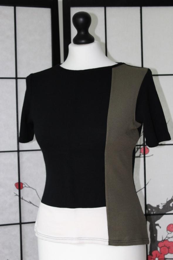 bluzka krótki rękaw elegancka czarna klasyczna geometryczna