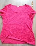 czerwona koszulka z krótkim rękawem