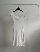 Biała sukienka dopasowana tuba prążki hiszpanka...