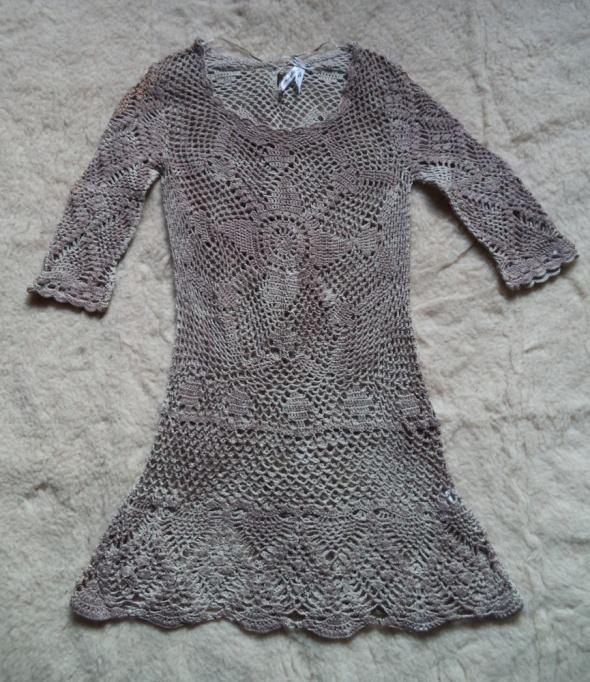 Sukienka jak z koronki...