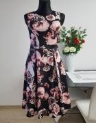 czarno rózowa sukienka w kwiaty Dorothy Perkins...