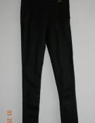 Dopasowane leginsy spodnie bardzo wąskie...