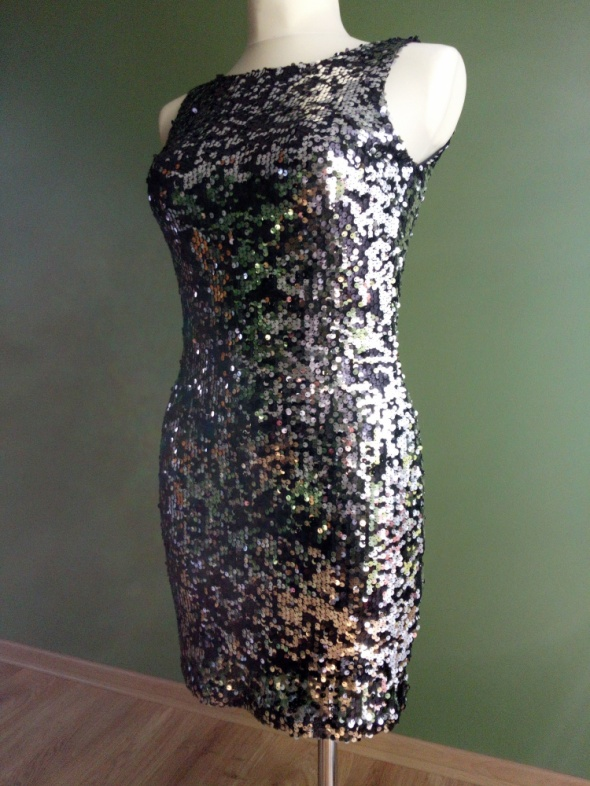 cekinowa sukienka mini czarno srebrna 38