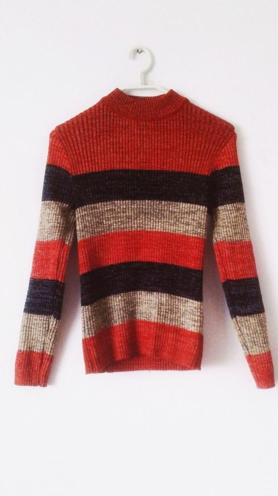 Sweter półgolf w paski pomarańczowy szary obcisły sweterek poziome pasy melanżowy