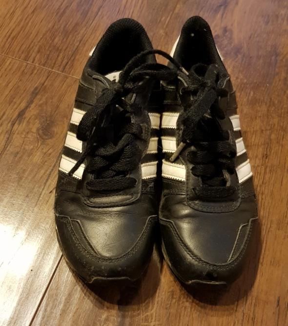 Obuwie Buty chłopięce Adidas 33