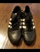 Buty chłopięce Adidas 33...