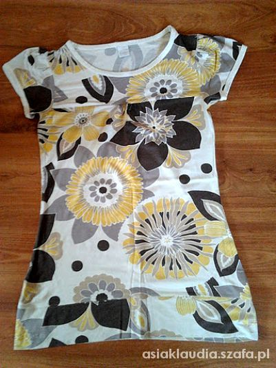 Dłuższa bluzka kwiaty z Camaieu...