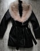 Płaszcz skórzany z kołnierzem XL...