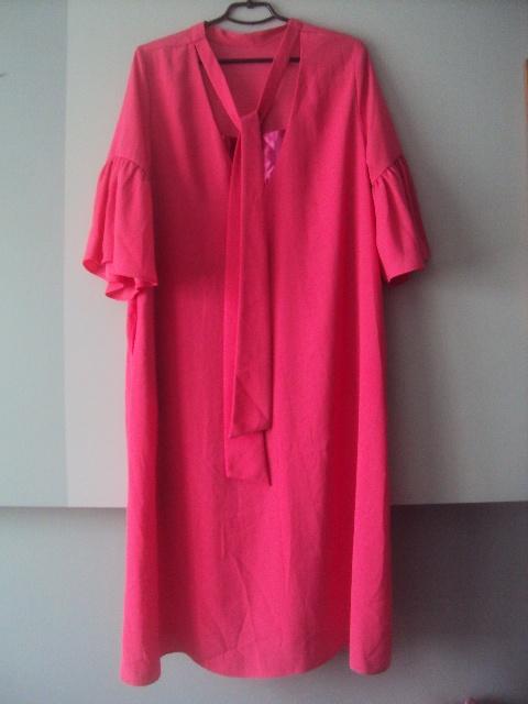 elegancka sukienka z kieszeniemi
