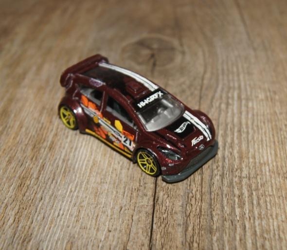 Zabawki Autka samochody resoraki Hot Wheels zestaw brązowy biały