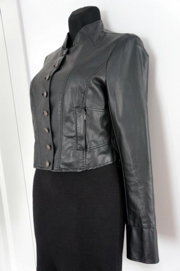 Seksowna czarna ramoneska Orsay ozdobne guziki