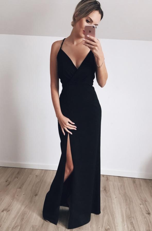 Elegancka długa sukienka 36