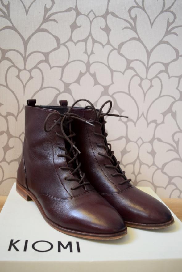 Skórzane wiązane botki ciemne bordo jak w stylu retro vintage