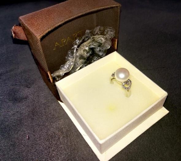 Srebrny pierścionek z perła Apart