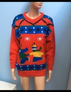 Czerwony sweter świąteczny wzór M...