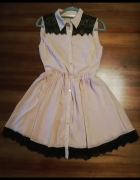 Sukienka zapinana na guziki...