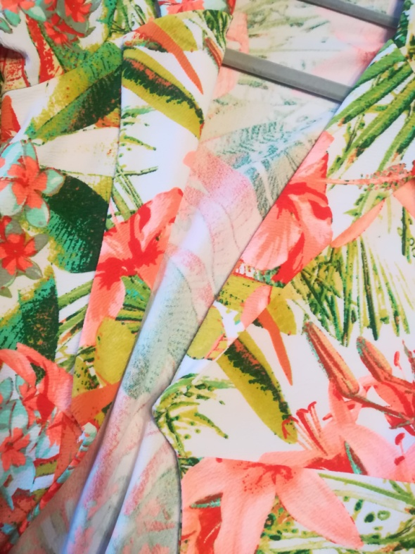 Kolorowa marynarka w kwiaty