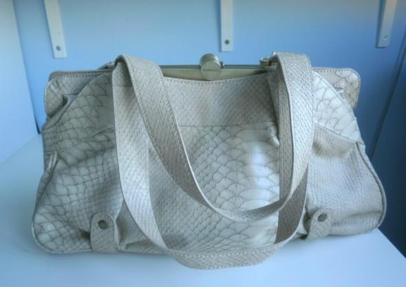 Fiorelli beżowa torebka torba faktura skóra nude