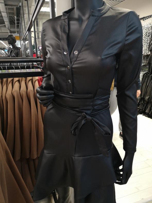 Suknie i sukienki Kobieca sukienka z eko skóry