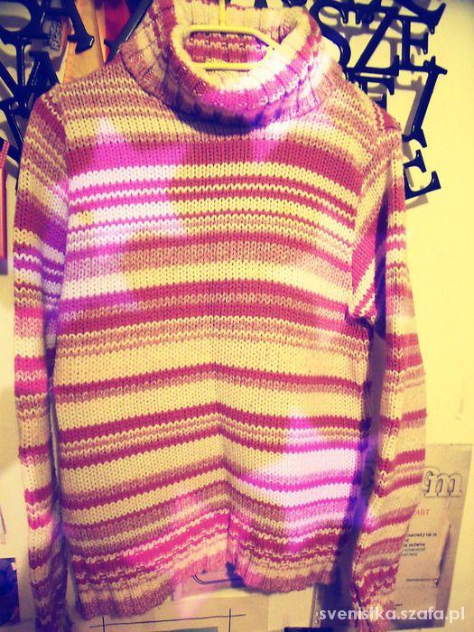 Różowo biały gruby sweter