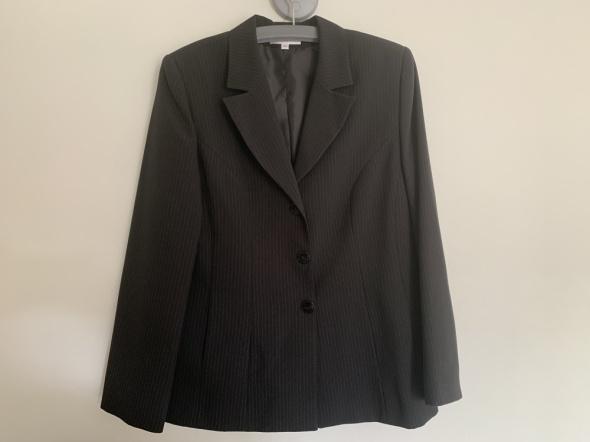 jak nowy garnitur ze spodniami Xamira 44