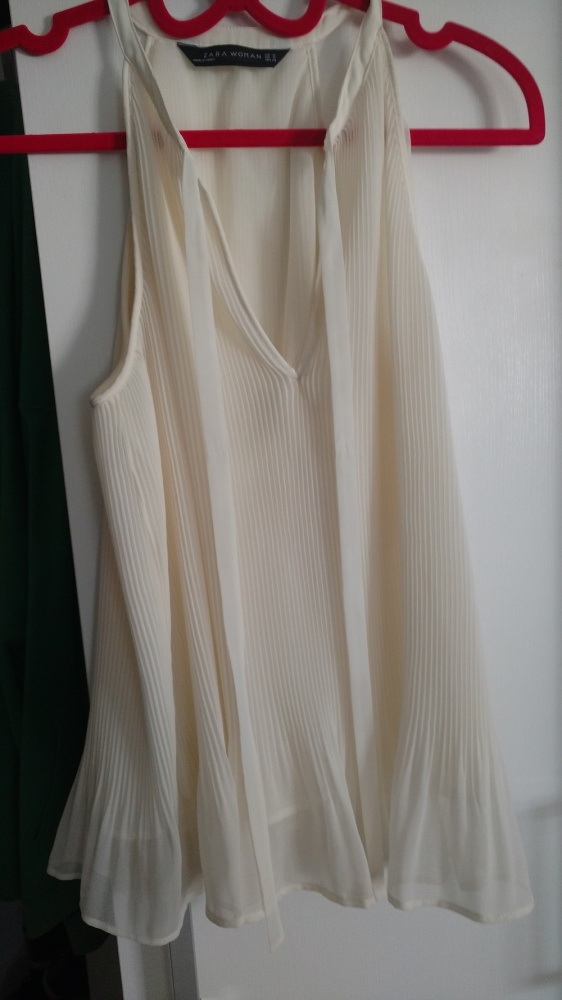 plisowana kremowa bluzka