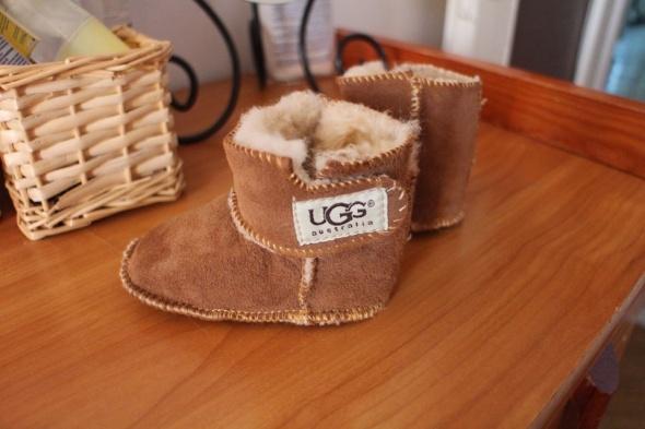 UGG śliczne dla dziecka buciki niechodki