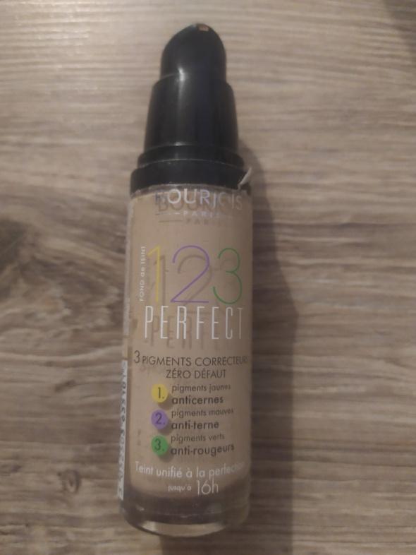 Bourjois 123 perfect foundation light vanilla n51
