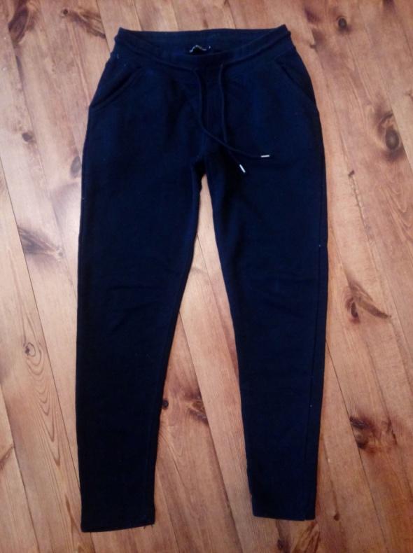 Spodnie dresowe S M...