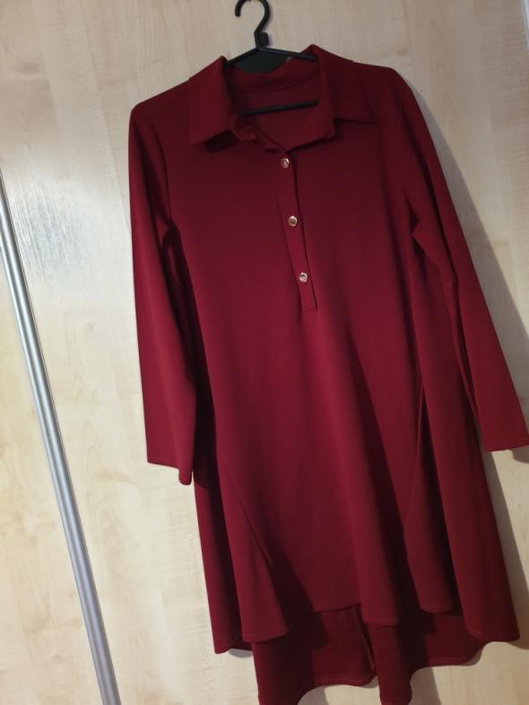 Bordowa sukienka oversize trapez guziki