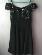 Wieczorowa butelkowa zieleń sukienka off shoulder z cekinami we...