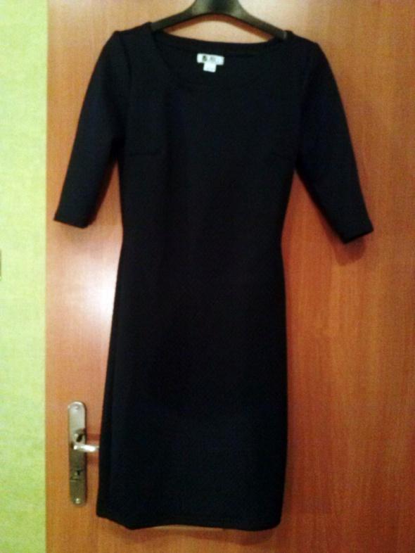 Suknie i sukienki pikowana sukienka granatowa nowa z metką xs