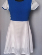 Śliczna biało niebieska sukienka...