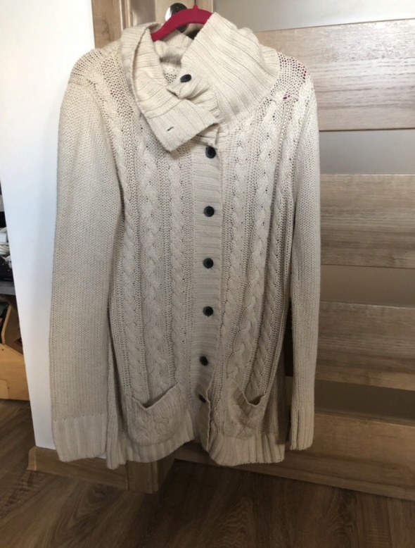 Swetry Długi beżowy sweter Pull&Bear