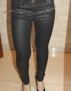 Skórzane czarne spodnie damskie New Yorker 34...