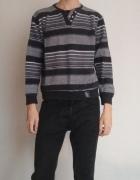 Biało czarny sweter w paski...