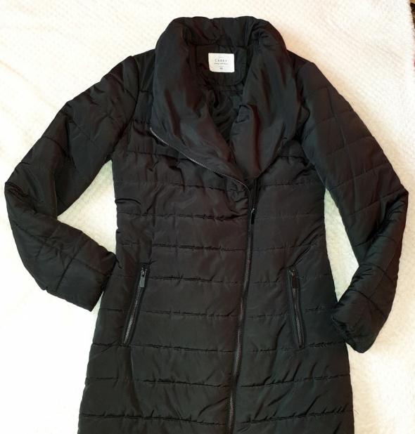 Czarny zimowy płaszcz Carry kurtka puchowa rozmiar XS...
